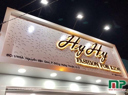 bảng hiệu shop thời trang quần áo Hy Hy tại quận 12- do Minh Nhuận Phát thiết kế và thi công