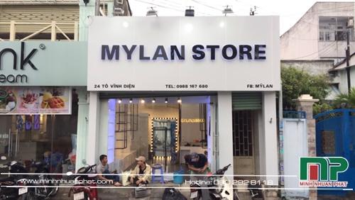 Hình ảnh bảng hiệu shop quần áo nữ MYLAN được thiết kế và thi công bởi minhnhuanphat.com