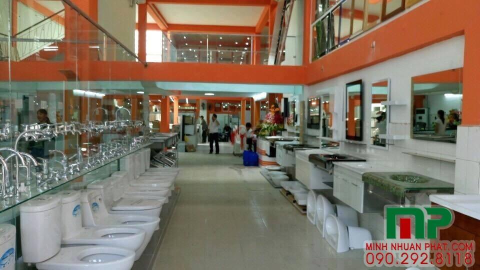 lam-bang-hieu-showroom-hoang-vy
