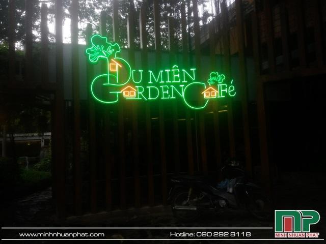 Bảng hiệu quán cà phê Du Miên