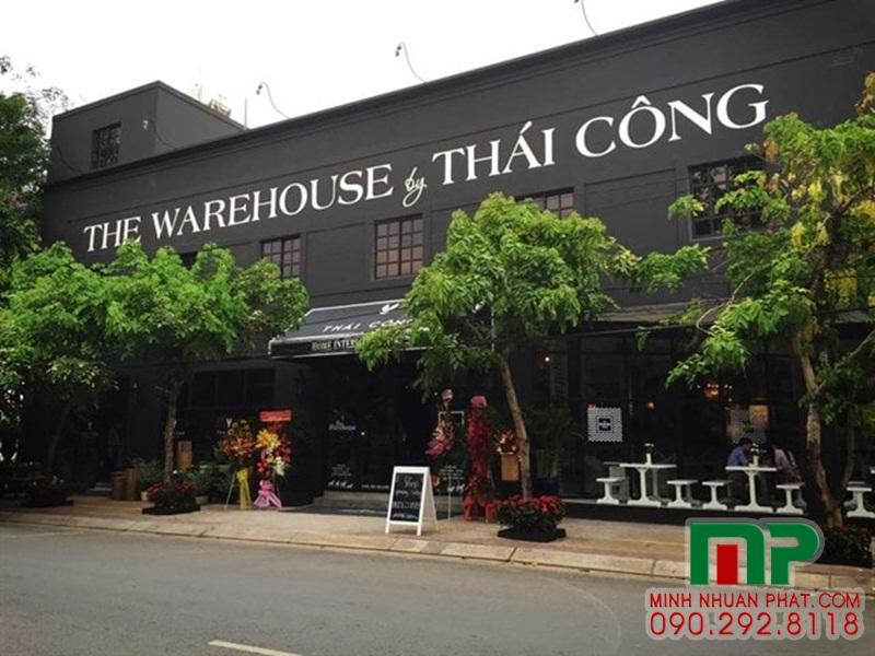 Mặt tiền 02 showroom Thái Công