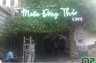 bảng hiệu quán cà phê
